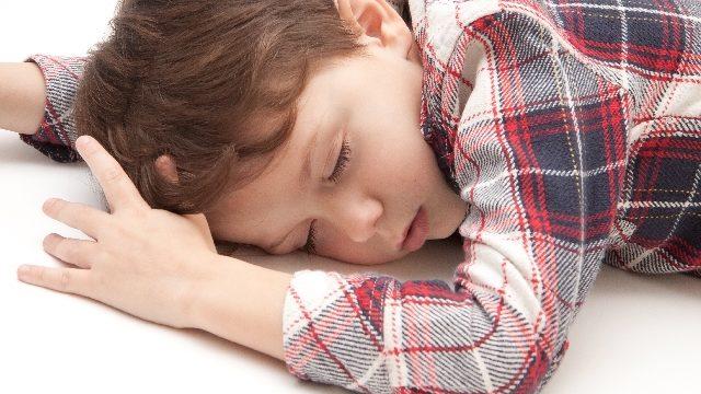子どもの睡眠不足原因